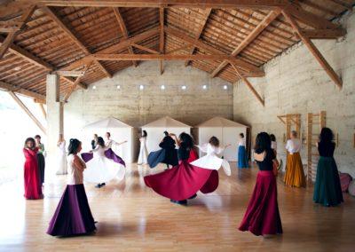 Séminaire de Rana Gorgani Danse Soufie Aout 2017 credit photo : Compagnie l'Oeil Persan par Déborah Marino